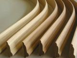 Zoccoli curvi, cornici curve
